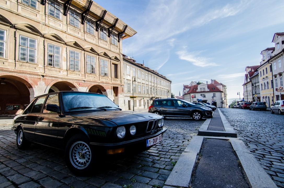 BMW 518I E28 Praag