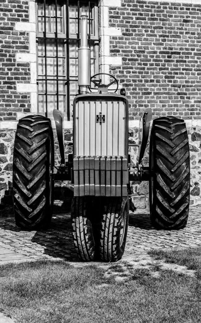 International Harvester Farmall 756