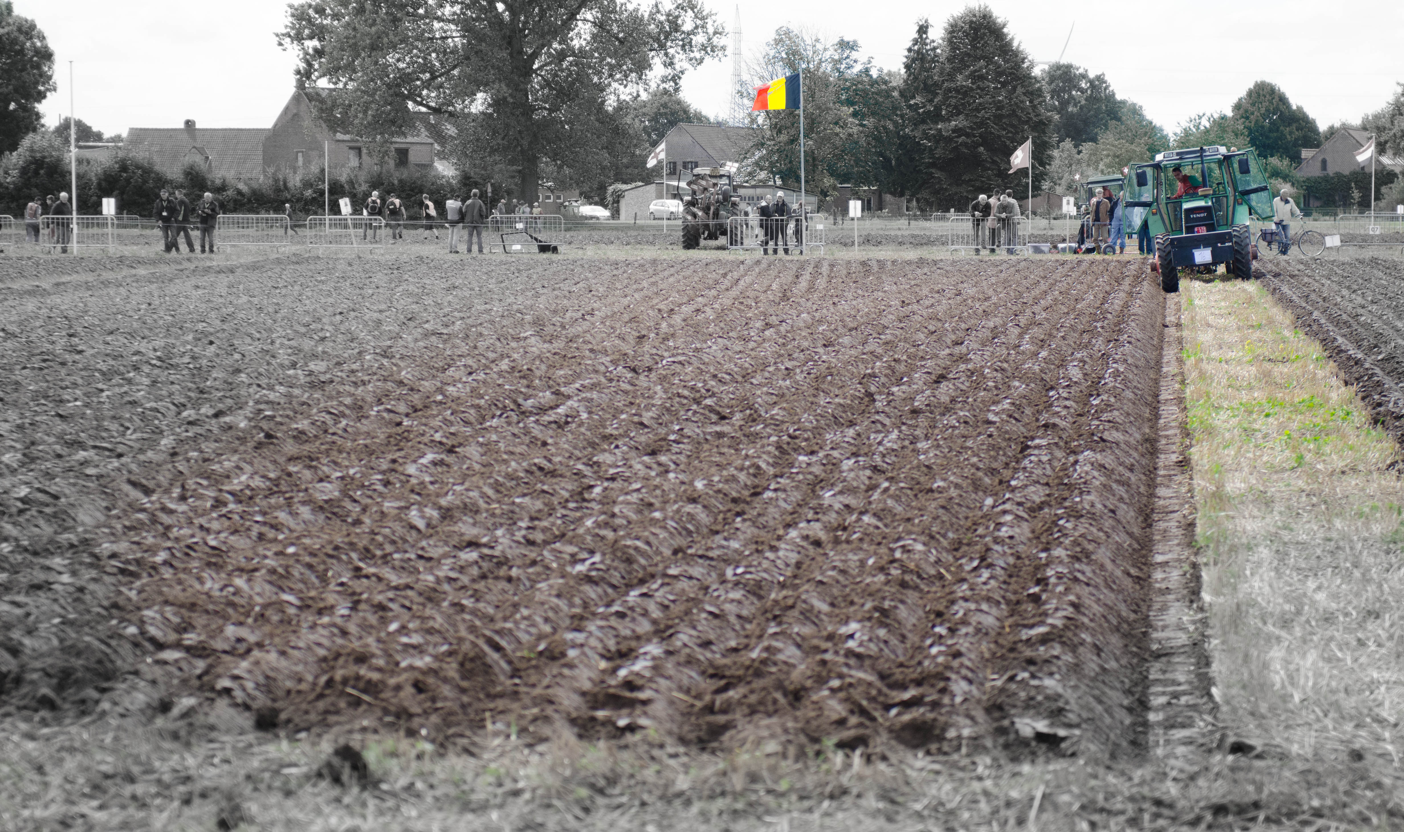 Niels Mariën at the European Reversible Ploughing Championship 2014